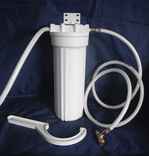 Universal water filter with Deluxe faucet kit